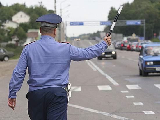 Лишать водительского удостоверения может только суд