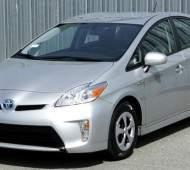 Toyota Prius — популярный японский гибрид