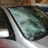 Когда менять стекло на авто
