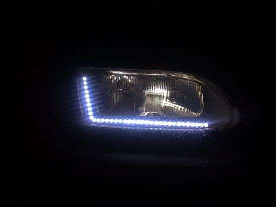 Светодиодные реснички под фару машины