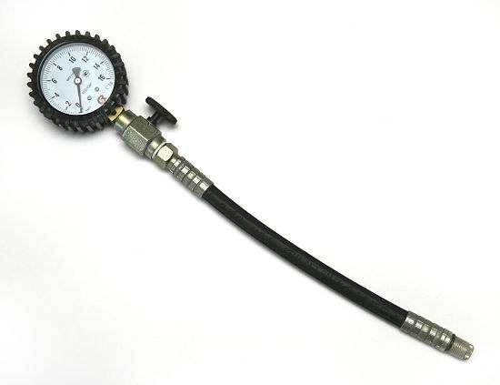 Компрессометр с наконечником резьбового типа