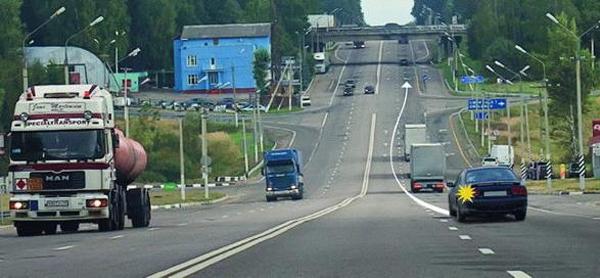 Это не обгон, а опережение транспортных средств, так как нет выезда на полосу встречного движения