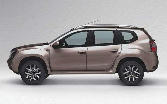 Nissan Terrano в профиль