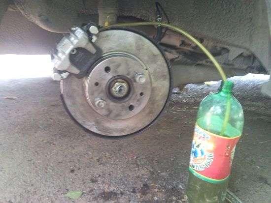 Как прокачать тормоза с abc