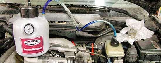 как прокачать тормоза на BMW e36