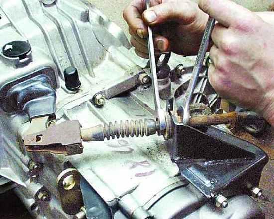 Фото №13 - провалилась педаль сцепления ВАЗ 2110 тросик целый