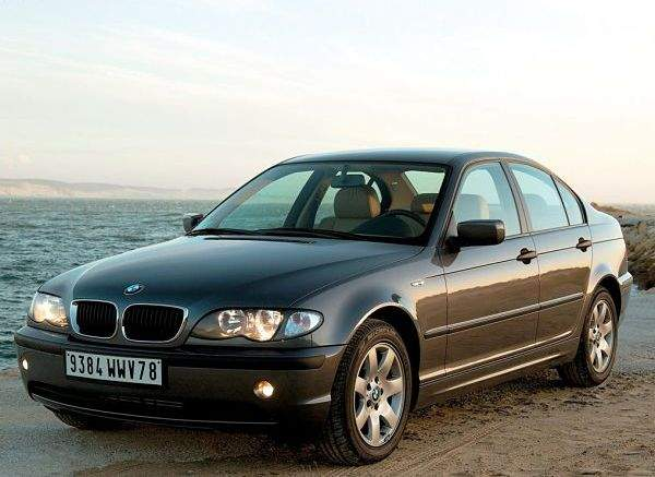 Автомобиль BMW 3-series