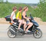 Нужны ли права на скутер и мопед?