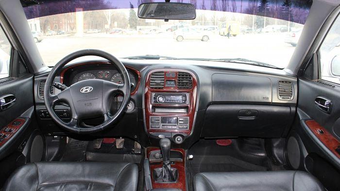 салон Hyundai Sonata 4 (ТагАЗ)