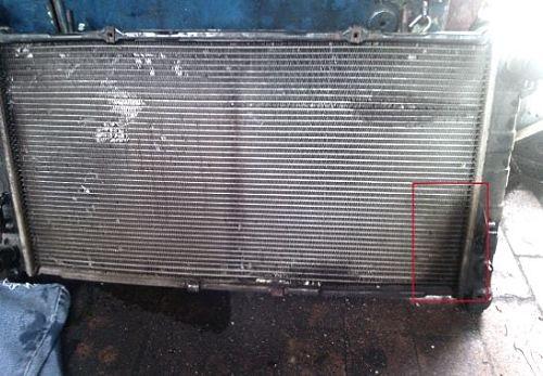 Течь радиатора машины