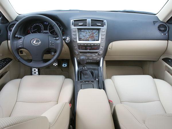 интерьер Lexus IS 2