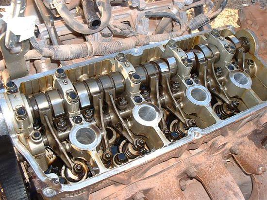 двухвальный многоклапанный двигатель