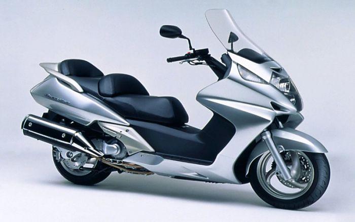 Максискутер Honda Silver Wing 600