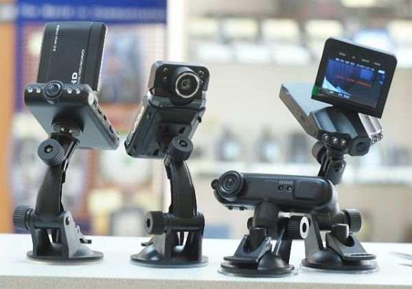 выбрать автомобильный видеорегистратор