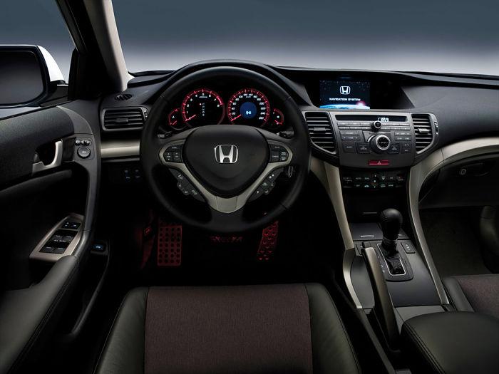 салон Хонда Аккорд 8 поколения