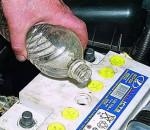 заливка электролита в аккумулятор
